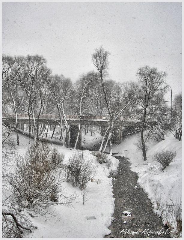 Мост через речушку Дубровенка.